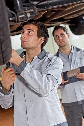 Sollten Sie eine zuverlässige Kfz-Werkstatt im Kreis Leer (Ostfriesland) oder im Emsland für die Autoreparatur suchen oder haben Sie immer wieder mit Autoreparaturen zu tun, melden Sie sich bei uns.