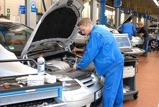 Fahrzeug-Diagnose: Meldet Ihre On Board Diagnose (ODB) einen Fehler? Wir lesen mit unserer modernen Diagnose Fehler aus und sagen, was die Reparatur kostet.
